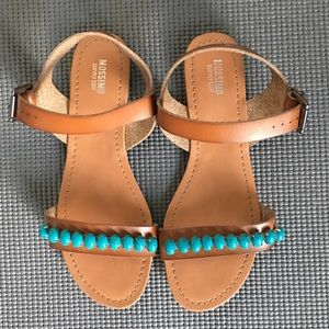 NEVER WORN MOSSIMO SANDALS